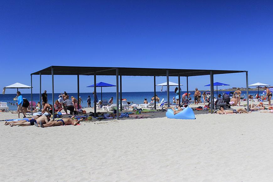 Отдых и лечение на песчаном пляже в Межводном