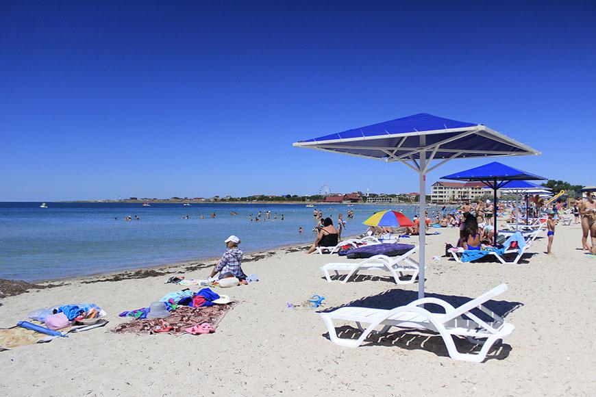 Лечение песком на пляже в Крыму