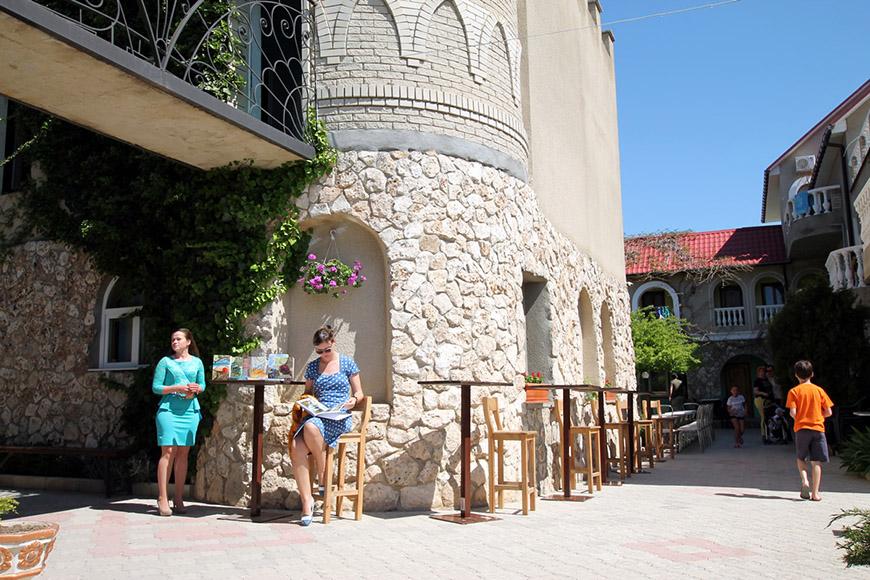 Гимнастика с палкой в Черноморском районе